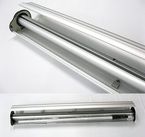 アイルック部品:支柱を内部へ収納します。